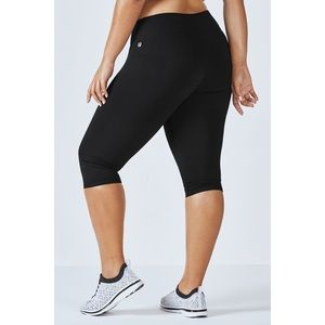 Fabletics Solid Salar Powerhold Crop Leggings